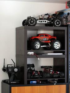 RC-Autos im Schrank
